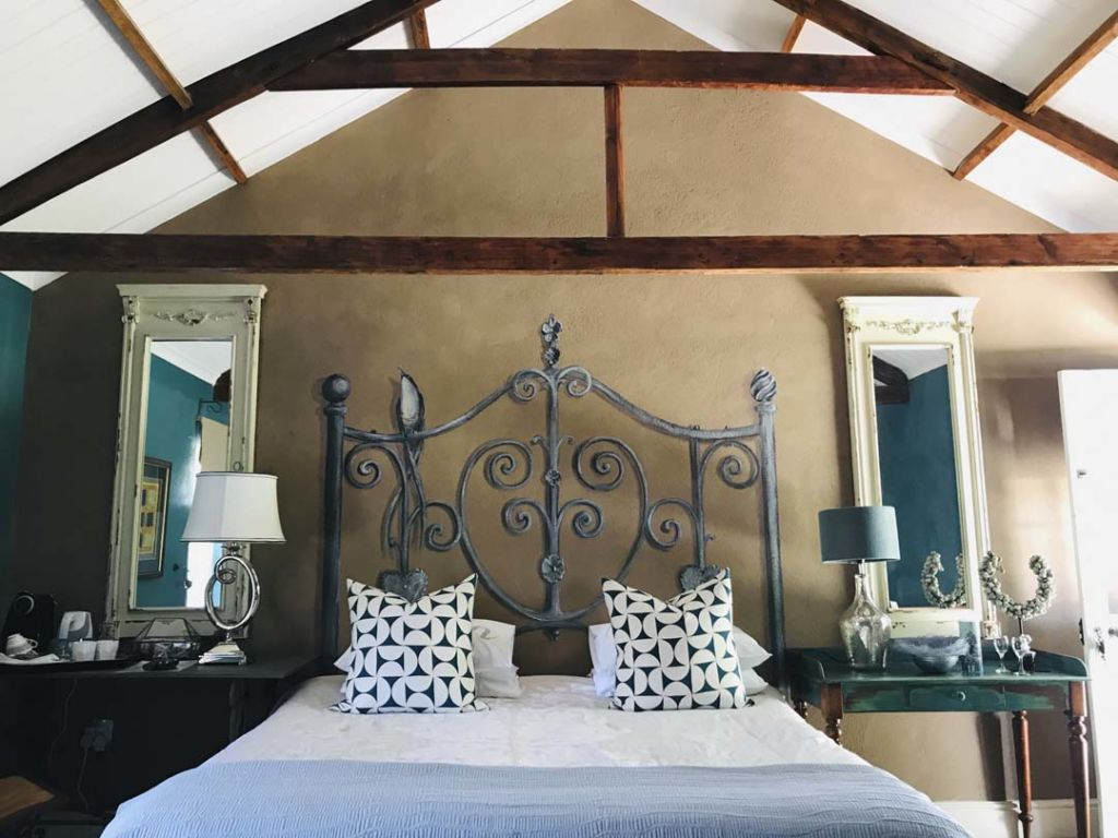 de-companjie-guest-house-orchid-room-1