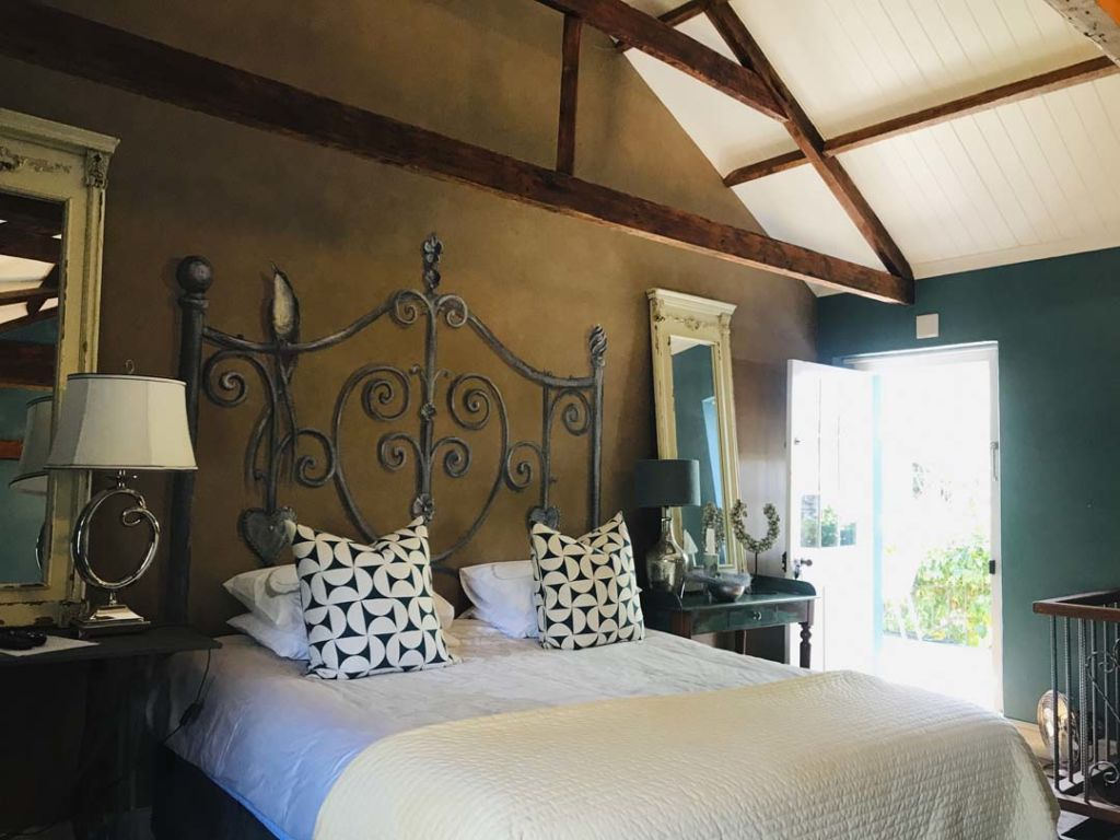 de-companjie-guest-house-orchid-room-2